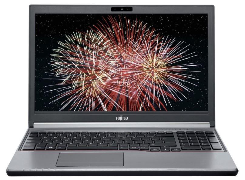 Renovovaný notebook Fujitsu Lifebook E754, stříbrný, záruka 24 měsíců